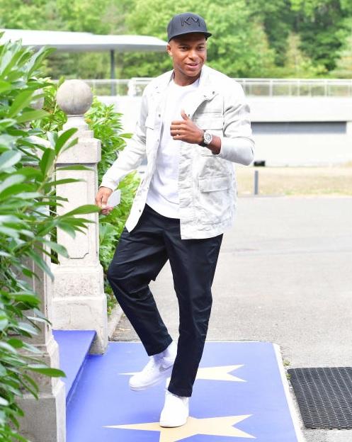 Qoly - Football Web Magazineエムバペもカンテもいるぞ!フランス代表の最新私服ファッションを見る