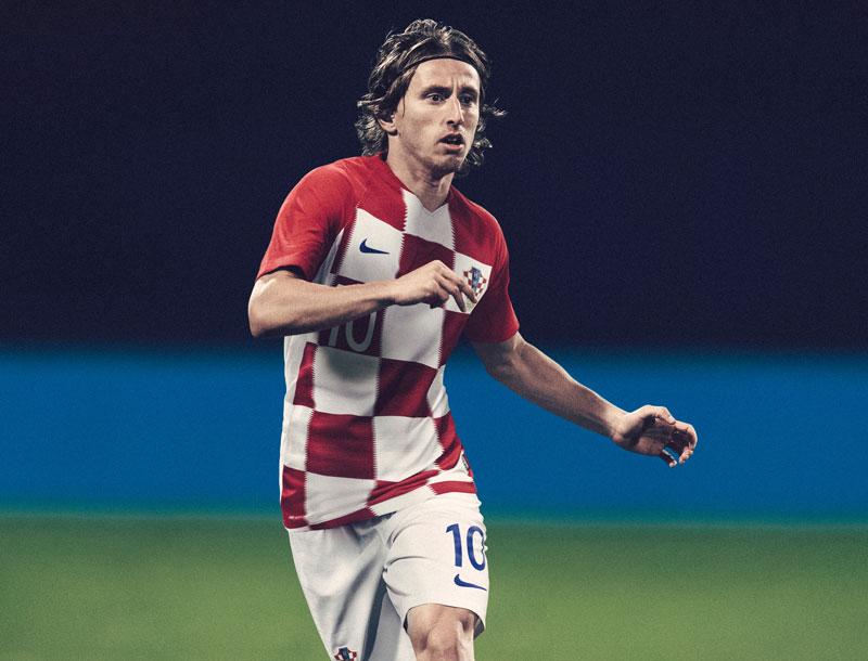 クロアチア代表、ロシアW杯に向けたチェック柄の新ユニフォームを発表!