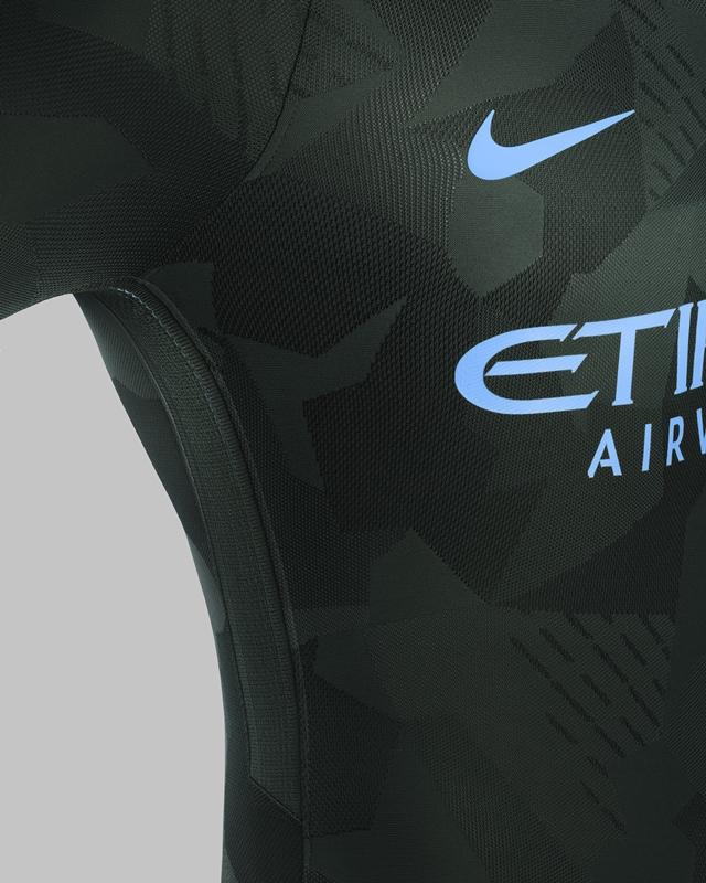 マンチェスター・シティ 2017-18新ユニフォーム