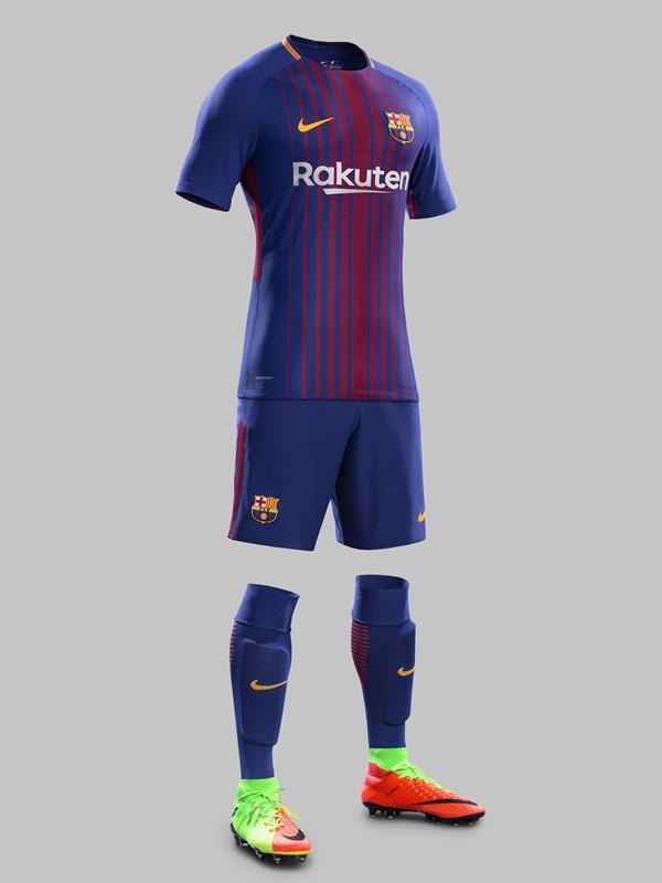 バルセロナ、2017-18新ユニフォームを発表!胸スポンサーは ...