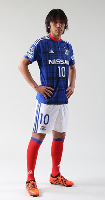 Qoly - Football Web Magazine横浜F・マリノスが2016新ユニフォームを発表!アウェイは大胆すぎるピンク編集部O