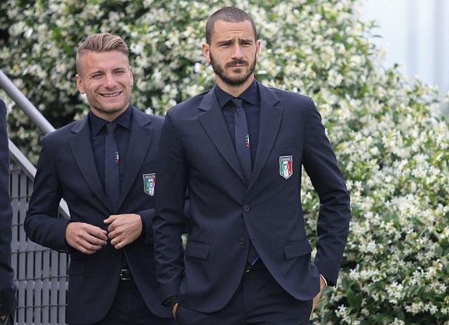 スーツを着たイタリア代表は、た...